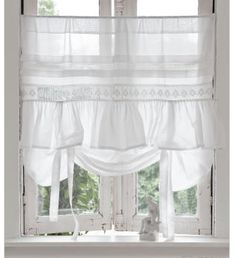 Jade, from White and Shabby, has such sweet taste! #shabbychickitchencurtains