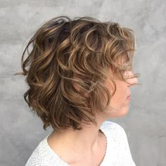 Short Curly Hairstyle http://gurlrandomizer.tumblr.com/post/157387787697/hairstyle-ideas-i-love-this-hairdo-facebook