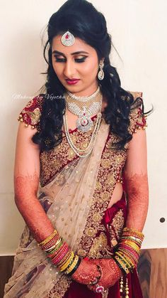 Indian Dress South indian bridal hairstyles for reception brides 16 Ideas South indian bridal hairstyles for reception brides 16 Ideas Indian Bridal Lehenga, Indian Bridal Makeup, Indian Bridal Wear, Bridal Beauty, Lehenga Reception, Indian Reception, Bridal Looks, Bridal Style, Bridal Hairstyle For Reception