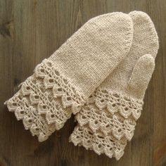 Crochet mittens lace cuff, also wrist warmers Crochet Mittens Free Pattern, Knit Mittens, Knitted Gloves, Crochet Blanket Patterns, Knitting Socks, Free Crochet, Knit Crochet, Knitting Patterns, Fingerless Gloves