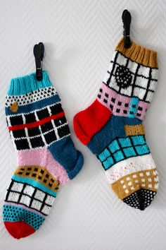 Hupsistarallaa: Mainiot Mainiosukat Fair Isle Knitting, Knitting Socks, Christmas Stockings, Knit Crochet, Wool, Kids, Crafts, Knits, Tutorials
