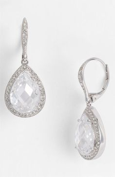 Timeless pear drop earrings #NordstromWeddings