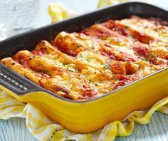 Welcome to my frugal family meals: minced pork cannelloni recipe. So just because this month is all about the budget family meals doesn't mean that you have to… Crockpot Recipes, Chicken Recipes, Cooking Recipes, Penne Recipes, Beef Cannelloni Recipes, Italian Recipes, Mexican Food Recipes, Beef Enchiladas, Cheese Enchiladas