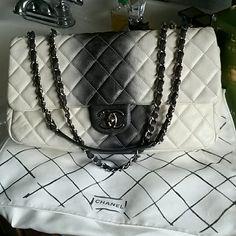58fd90e6977180 Chanel Ombre jumbo maxi handbag This is a 100% AUTHENTIC CHANEL jumbo maxi  handbag Cruise