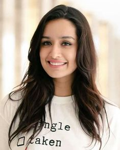 Shraddha Kapoor Biography, She is an Indian actress who works in Hindi films, was born on born 3 March Famous Actor Shakti Kapoor is the father of Shraddha Kapoor. Indian Bollywood, Bollywood Stars, Bollywood Images, Beautiful Bollywood Actress, Beautiful Indian Actress, Prettiest Actresses, Beautiful Actresses, Indian Celebrities, Bollywood Celebrities