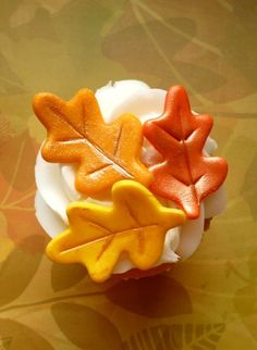 Fondant fall leaves cupcake topper or cake decorations
