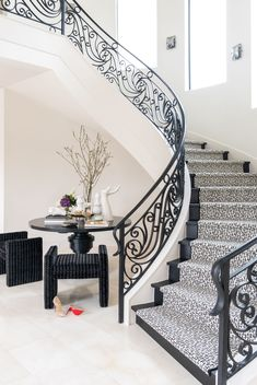 Laura U, Inc. - Glamorous grand entrance to beautiful, luxurious staircase and seating area Luxury Staircase, Foyer Staircase, Carpet Staircase, Staircase Ideas, Staircases, Home Stairs Design, Interior Stairs, Home Design, Interior Design