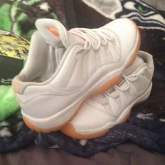 citrus 11 lows worn a few times Jordan Shoes