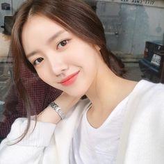 'collect shop' of syuteam in 2020 Pretty Korean Girls, Korean Beauty Girls, Cute Korean Girl, Girl Korea, Asia Girl, Ideal Girl, Cute Japanese Girl, Ulzzang Korean Girl, Asian Cute