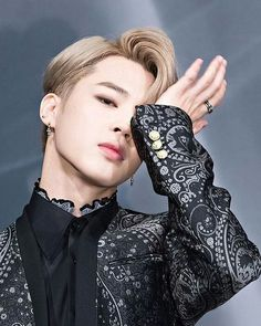 This photo of BTS member Jimin looking like Victor from Yuri on Ice ♥