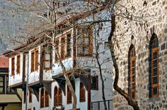 Traditional Afyon mansions with oriels. Turkish Architecture, Architecture Design, Beautiful Homes, Beautiful Places, Desert Dream, The Doors, Ottoman Empire, Istanbul Turkey, Modern Classic