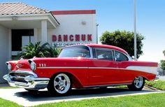 1957 Chevy Bel Air how cud ya not love it Retro Cars, Vintage Cars, Antique Cars, Chevrolet Tahoe, Chevrolet Bel Air, 1957 Chevy Bel Air, Old School Cars, High School, Best Classic Cars