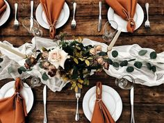 Bronze wedding table d�cor ideas for fall #weddings #weddingdecor #rusticweddingideas #weddingideas #outdoorwedding #weddinginspirations #fallwedding #bronzewedding #weddingtable #weddingcenterpiece