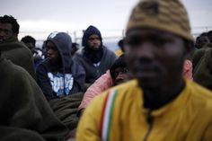Libia, più di 200 migranti soccorsi a largo delle coste libiche