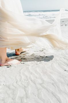 A dreamy beach wedding shot. Have you ever attended a beach wedding in Charleston, SC? Summer Breeze, Summer Vibes, Summer Beach, Beach Please, Photo D Art, Montage Photo, Windy Day, Am Meer, Beach Cottages