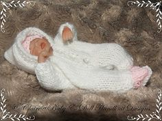 Hooded All-in-One for 4-7 inch dolls-