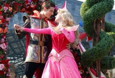 Princess Aurora Disney Couples, Disney Parks, Walt Disney World, Sleeping Beauty Characters, Disney Face Characters, Princess Aurora, Little Princess, Disney Princess, Park Photos