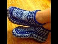 В этом видео мы свяжем очень удобные и уютные тапочки . Можете использовать остатки пряжи. Я обычно вяжу спицами № 2.5 или 3 Knitted Booties, Knitted Slippers, Slipper Socks, Crochet Slipper Pattern, Crochet Shoes, Knit Crochet, Knitting Socks, Baby Knitting, Spring Boots