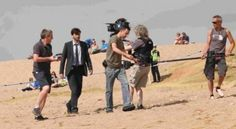 I can't help but wonder if the temptation to break into a DI Peter Carlisle song moment was ever likely here. Either that or moments later he tripped and ate sand! :D Outtakes TV maybe? #HardyMoments #Broadchurch