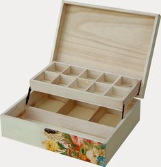 ¡¡¡ Los más vendidos !!!... nadie se resiste a nuestras preciosas cajas, se pueden usar como joyeros, porta cosmeticos, costureros, cajas de...