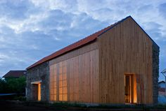 João Mendes Ribeiro - Barn renovation, Cortegaça 2004
