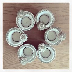 Fest-Dekoration - Do it my self Clay Crafts, Diy And Crafts, Arts And Crafts, Candle Lanterns, Diy Candles, Concrete Cement, Cement Pots, Beton Design, Wooden Candle Holders