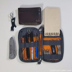 I Edc Carry, Everyday Carry Items, Belt Holder, Cool Lock, Headphone Amp, Types Of Knives, Glass Breaker, Safety Switch, Pocket Notebook