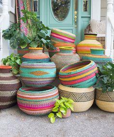 Ghana Basket I - Christmas-Desserts Apartment Balcony Decorating, Interior Decorating, Decorating Ideas, Deco Originale, Home Living, Bohemian Decor, Flower Prints, Flower Art, Ghana