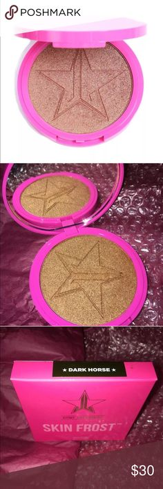 Jeffree Star Cosmetics Dark Horse Highlighter 100% Authentic!  Brand New In Box!  Our highlighting powder is extremely pigmented, so get ready to glow like a lighthouse!  Apply with a brush of your choice, and let yourself shine.  A little goes a long way.  This product can be used wet or dry, depending on your desired intensity.)  *This product is: Vegan. Cruelty-Free. Talc Free. Paraben & Gluten-Free | 15G/0.53 OZ.  NOTE: This product has a unique soft buttery formula, making it delicate…