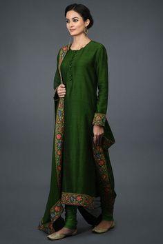 Designer Salwar Kameez, Kurta Designs Women, Blouse Designs, Blouse Patterns, Indian Attire, Indian Wear, Kashmiri Suits, Plain Kurti, Classy Suits