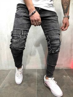 FASH STOP offers a wide range of quality shirts, jeans, jackets, sweater and coats. Many unique creative brands and styles at great prices. Ripped Jeans Style, Ripped Jeans Men, Streetwear Jeans, Streetwear Fashion, Grey Jeans Men, Men Dress Up, Style Masculin, Cargo Pants Men, Shorts With Pockets