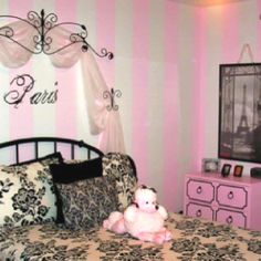 Funky Paris themed room