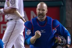 David Ross Crushes A HR To Waveland Avenue
