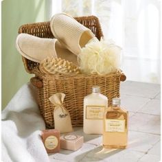 """Spoil yourself! Cute wicker chest contains bath items in a relaxing """"Honey Vanilla"""" scent, comfy slippers and a massage tool. 11 7/8"""" x 7 5/8"""" x 11 3/8"""" high. Set. http://www.wholesalemart.com/Wholesale-Bath-Sets-s/80.htm"""