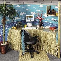 beach theme cubicle design too busy for my style though - Cubicle Christmas Decorating Themes