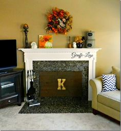 Best Photo pallet Fireplace Cover Suggestions Gas fireplaces might be a perfect choice for someone who would like to enjoy the warmth of a fire wi Fireplace Cover Up, Unused Fireplace, Fireplace Inserts, Fireplace Screens, Pallet Fireplace, Fireplace Remodel, Fireplace Mantle, Pallet Wood, Fireplace Ideas