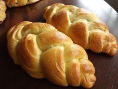The Taste of Israel: Jala Bread * Sweet * Biscuit Bread, Pan Bread, Jewish Bread, Bread Recipes, Snack Recipes, Snacks, Jewish Recipes, Bread And Pastries, International Recipes