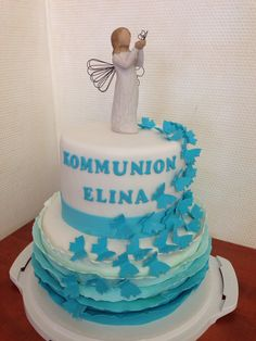 Kommunion cake with Ruffles and butterflies