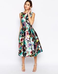 Buy Chi Chi London Allover Floral Full Prom Skater Dress at ASOS. Get the latest trends with ASOS now. Floral Fashion, Look Fashion, Fashion Dresses, Womens Fashion, Dress Outfits, Dress Me Up, Dress Skirt, Fancy Dress, Pretty Dresses