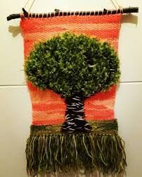 Resultado de imagen para telar decorativo Adult Crafts, Diy And Crafts, Peg Loom, Brazilian Embroidery, Weaving Patterns, Tapestry Weaving, Soft Furnishings, Make And Sell, Textile Art