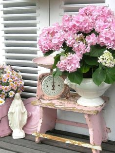 I want that pink scale!! **Shabby Chic