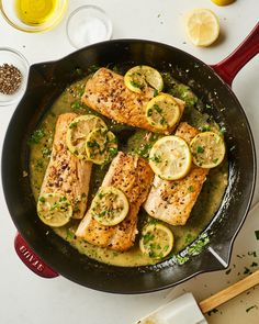 Here's the easiest way to cook mahi mahi, yielding flaky pan-seared fillets with a lemon butter sauce. Here's the easiest way to cook mahi mahi, yielding flaky pan-seared fillets with a lemon butter sauce. Mahi Mahi Fillet, Mahi Fish, Betta Fish, Mahi Mahi Marinade, Grilled Mahi Mahi, Fish Dishes, Seafood Dishes, Seafood Recipes, Gourmet