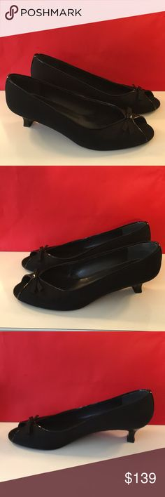 ❤️STUART WEITZMAN BOW LOW HEELS 💯AUTHENTIC ❤️STUART WEITZMAN BOW LOW HEELS 💯AUTHENTIC ! STUNNING AND STYLISH TOTALLY ON TREND! TRUE HIGH END LUXURY! SO PRETTY! THEY ARE BLACK AND ONLY WORN A FEW TIMES! THE SIZE IS 10. THE HEEL HEIGHT IS 1.75 INCHES Stuart Weitzman Shoes Heels