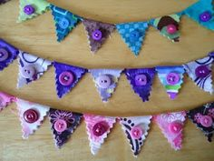 Cutest little bunting from blog Artsy Scrappy.  Great colors here. Easy!