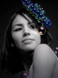 - Design de Acessório: Bolinhas de gude e sabão by Andréia Omena.  - Make up, photography by Andréia Omena