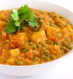 Lentil, pea and potato curry - MediterrAsian.com