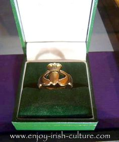 The oldest Claddagh Ring company in Ireland, T.Dillon and Sons, since also the oldest Irish jewelers. Claddagh rings - 1964 ring by T. Dillon and Sons at the Museum at Quay Street in Galway. Irish Customs, Irish Stew, Old Irish, Irish Culture, Claddagh Rings, Jewelry Boards, Jewellery Display, Sons, Ireland