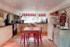 cutesy vintage-y kitchen