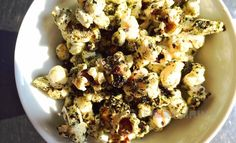 Popcorn - algae - passion fruit - coriander seed - shiso   Foodpairing / blog