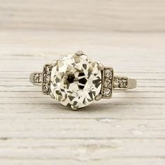 Jewelry Diamond : Image Description Antique engagement ring from 1925 ~ Love ♥ Vintage Rings, Vintage Jewelry, Vintage Diamond, Antique Jewelry, Antique Rings, The Bling Ring, European Cut Diamonds, Looks Vintage, Vintage Style